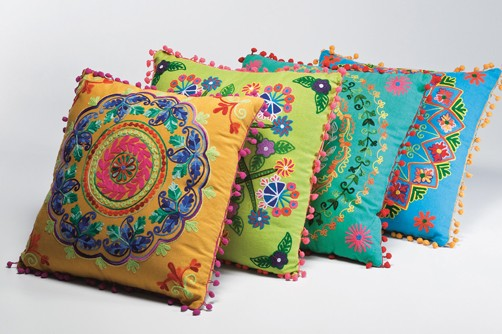 Kissen krishna versch farben w hlbar 70er dekokissen for Sofa indisch