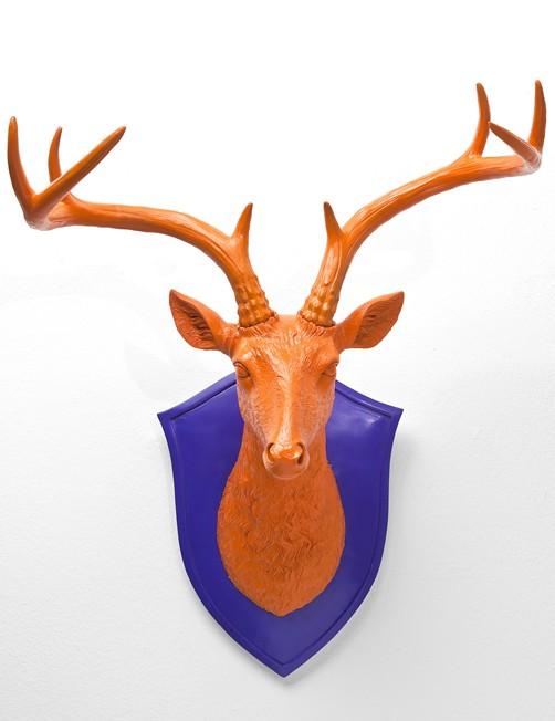 deko geweih cervo orange lila hirschkopf dekoobjekt. Black Bedroom Furniture Sets. Home Design Ideas